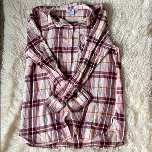 Old Navy Plaid shirt with buttons. Size L.